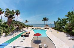 Seaside Sandpiper, Marathon FL Keys oceanfront with pool, outdoor courts: Sleeps 28